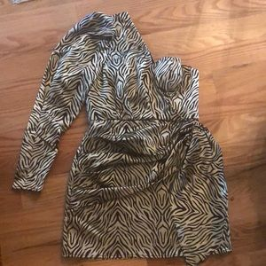 Revolve/House of Harlow dress size M